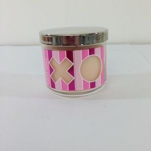 Bath& Bodyworks Candle XOXO Strawberry Mimosa
